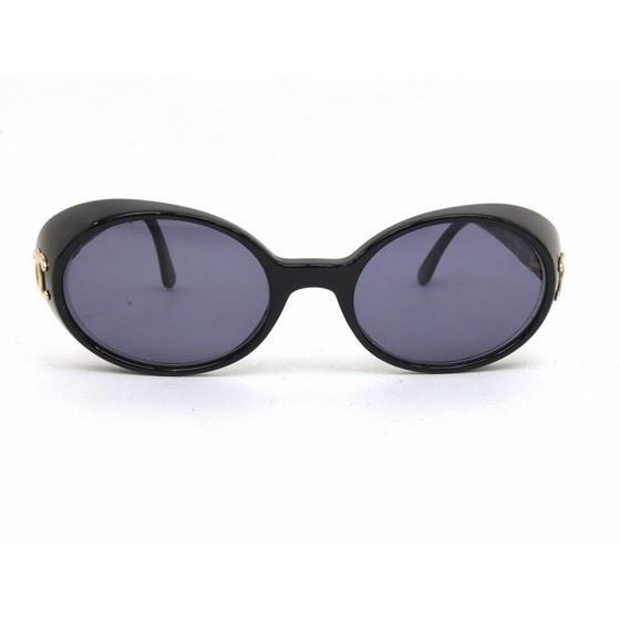 Picture of Chanel black sunglasses