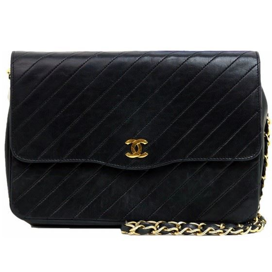 Picture of Chanel chevron flap bag