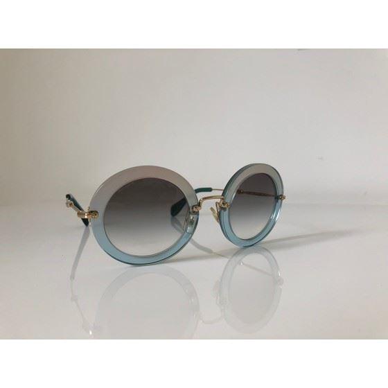 Picture of Miu Miu Noir eyewaer sunglasses