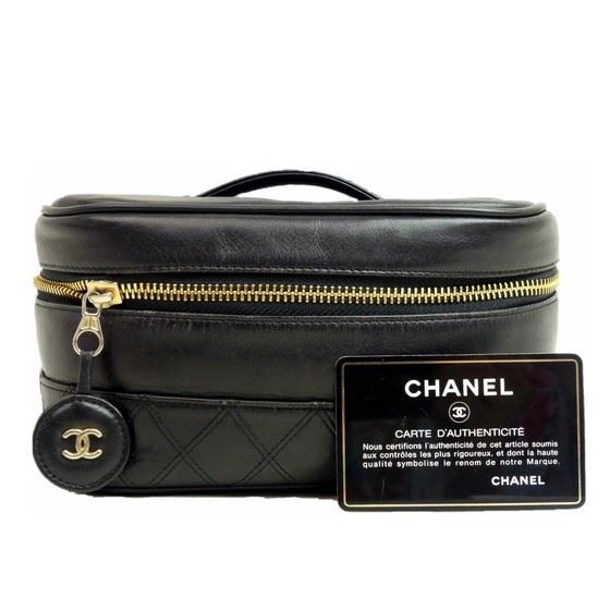 Picture of Chanel cosmetic vanity bag