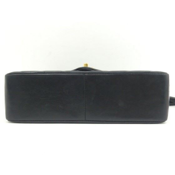 Picture of SPECIAL PIECE: Chanel chevron flap bag.