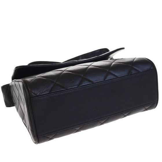 Picture of SPECIAL PIECE: Chanel so black large crossbody box bag
