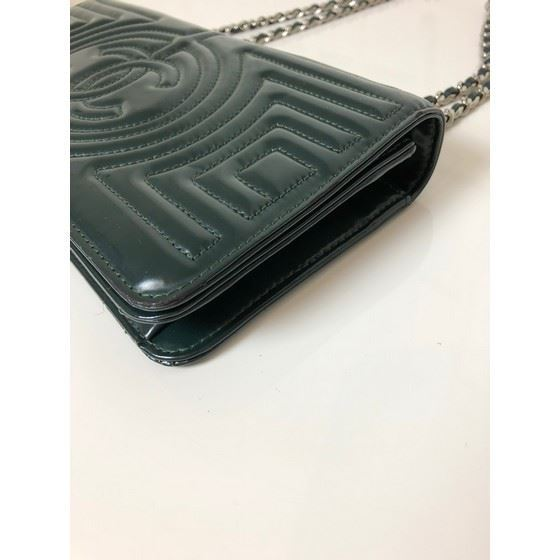 Picture of Chanel dark green patentleather bag with silver hardware