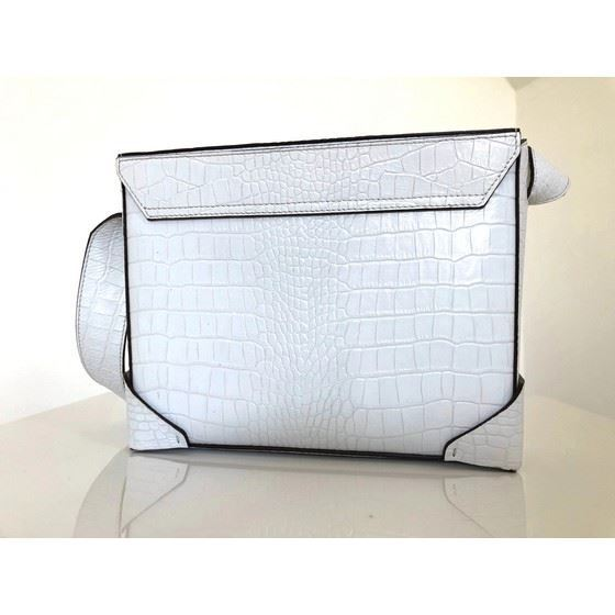 Picture of Manu Atelier bold bag